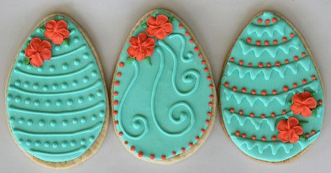 how to flood and decorate cookies with royal icing.....  thinking it could be real cute for a wedding favor