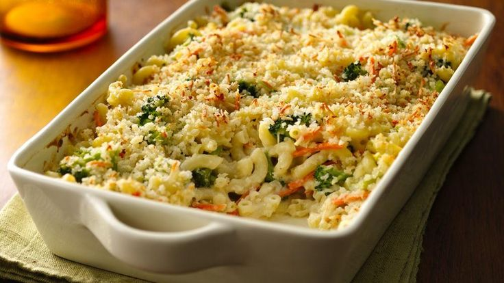 Enjoy macaroni and cheese with a twist. Green Giant® Valley Fresh Steamers™ Select® broccoli and Progresso® bread crumbs come together in this meatless family dinner.