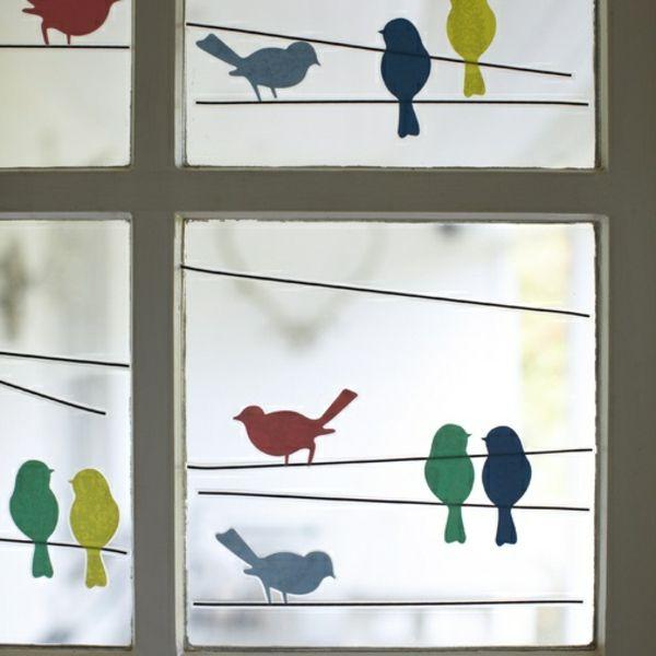 schöne-fensterdeko-handgemachte-vögel- bemalungen - 27 interessante Vorschläge für Fensterdeko