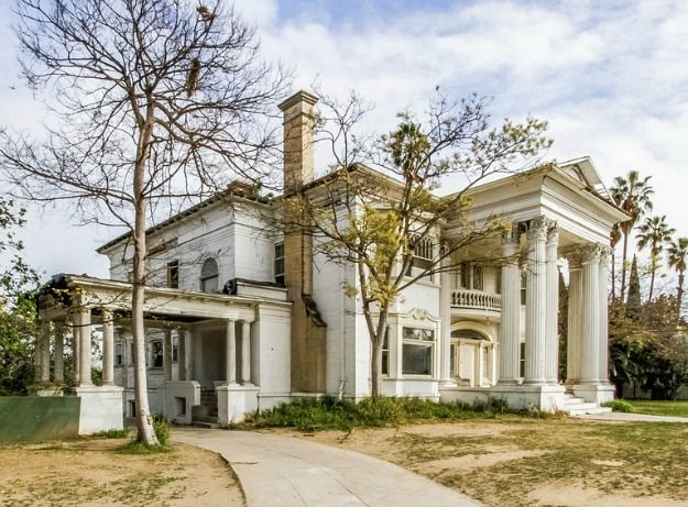 Save this house an historic abandoned mansion in l a for Historical homes in los angeles