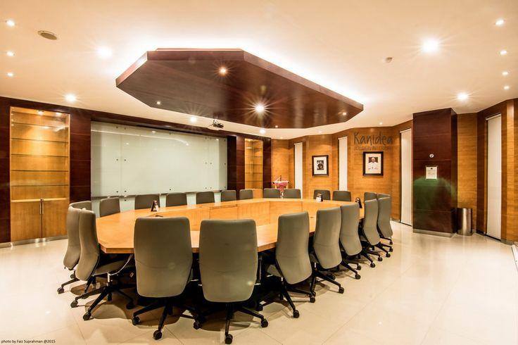 meeting room #wood #panel #glass #lighting #warm #ambience #interiordesign