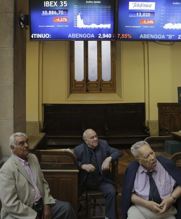 La Bolsa de Madrid echa a los 'abuelos' del parqué porque dan mala imagen.