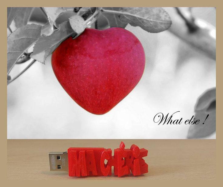Un cadeau original 🎁 une Clé USB personnalisée Avec VOTRE TEXTE ! 🎁 👉 http://www.cle-usb-fun.fr