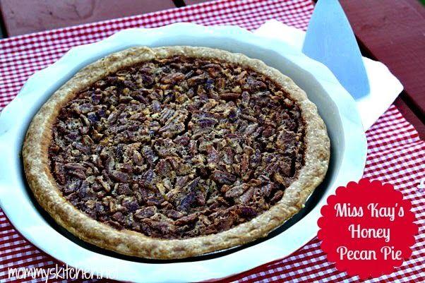 ... Friendly Recipes: Miss Kay's Honey Pecan Pie - Duck Dynasty Pie