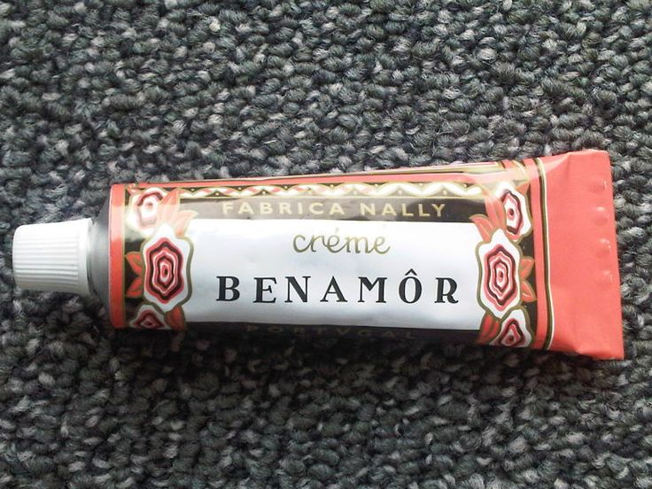 marie claire 8. Crème Benamôr from Portugal. A favorite of Portugal's Queen D. Amelia, this light formula was first made in the 1920s, and the draw for me is in the pretty packaging as much as it is in the ultra-light formula.