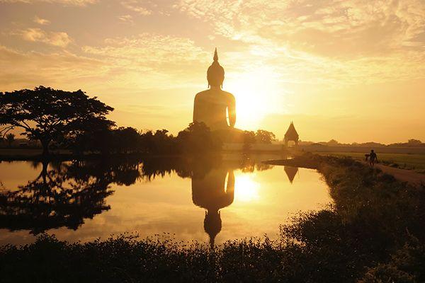 Lua de mel na Tailândia. #casamento #luademel #viagem #noivos #Tailândia #pôrdosol #templo #Buda