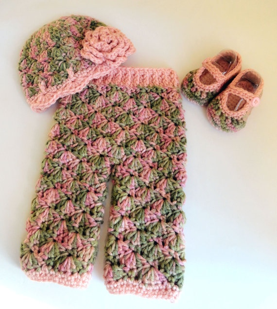 Newborn Crochet Shelly Pants and Matching Hat READY by MadebyMTL, $45.99