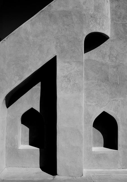 © Eric Lafforgue - Niches in Nizwa fort, Oman 2009. S)
