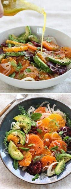 ( ^o^ ) ensalada-campera-con-aguacate-naranja-tomates-secos-y-cebolla