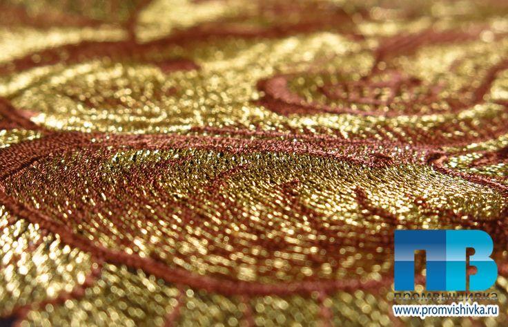 Вышивка на платьях золотом