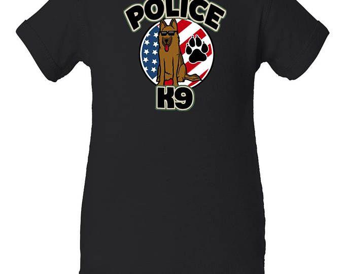 Chico amable policía K-9