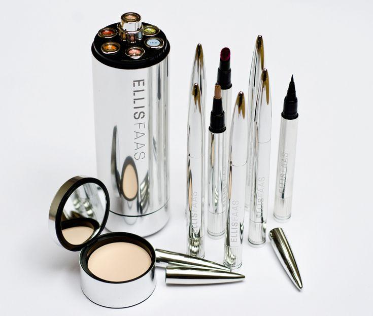 Ellis Faas Ellis Red Mikly Lips L201 review via TheRadinceReport.com -- #beauty #beautyblogs #bbloggers