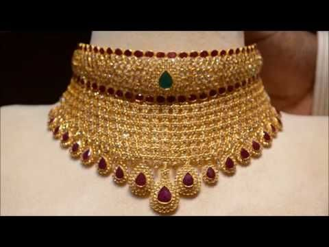 BIG WEIGHTLESS Gold Necklace designs at Dubai Gold Souk - YouTube