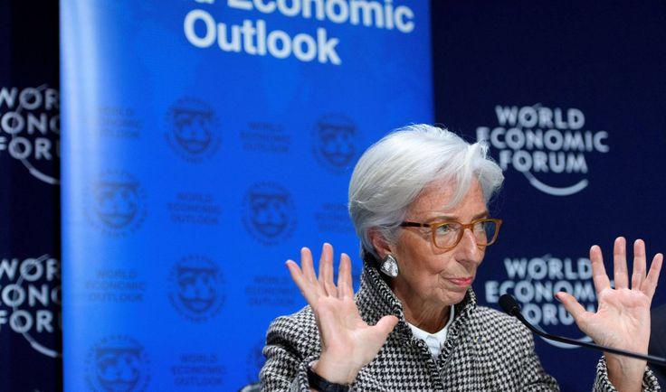El FMI prevé en Venezuela una caída del 15% del PIB e inflación del 13.000% en 2018 -  La economía de Venezuela sufrirá un desplome del 15% en 2018,según ha informado este jueves el economista jefe del Fondo Monetario Internacional (FMI) para América Latina, Alejandro Werner. De confirmarse esta previsión, la economía del país petrolero sudamericano experimentará una contracción ... - https://notiespartano.com/2018/01/25/fmi-preve-venezuela-una-caida-del-15-del-
