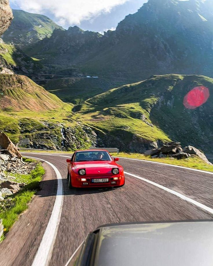 Summer vibes. Transfagarasan. Romania. #porsche #944 #porshe944 #porsche944club #lowered #bagged #airbagit #stanced  #stanceworks #stancenation #wheelwhores #work #workwheels #workvsxx #LowHouseGarage #lowhouse