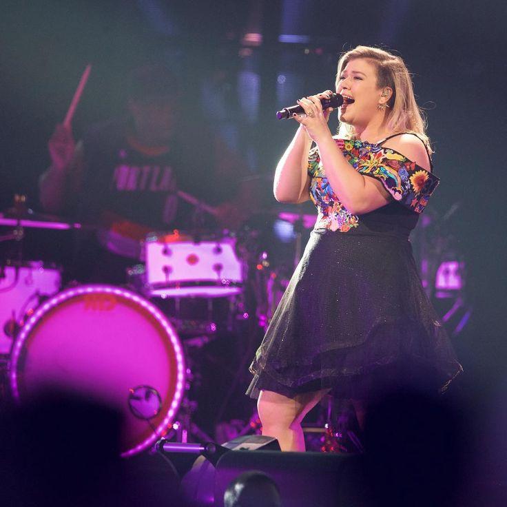 Kelly Clarkson at the Moda Center