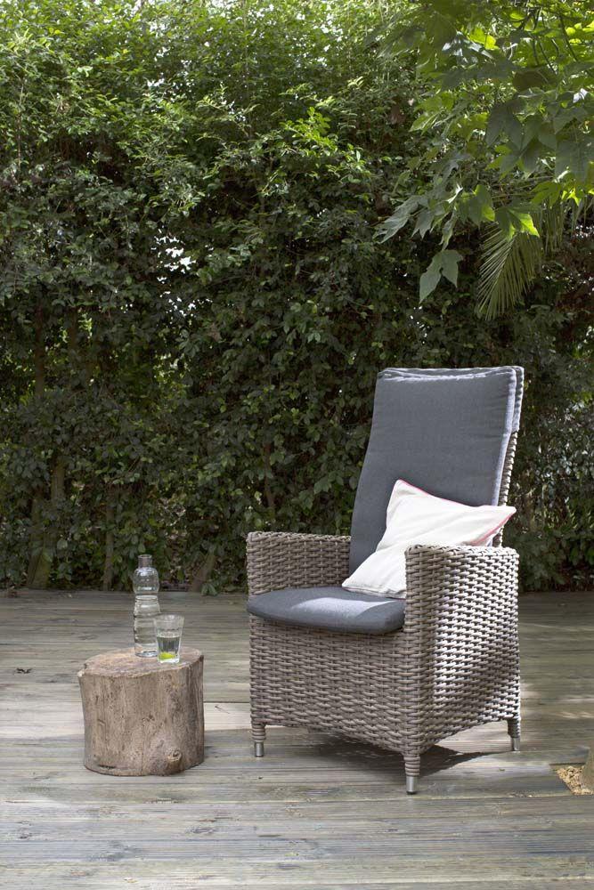 KARWEI | Fijn buiten zitten in deze stoel en genieten van elke zonnestraal #tuininspiratie #karwei