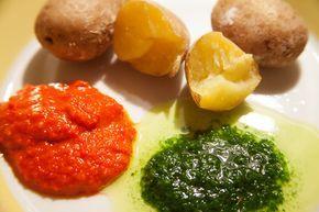 Kleine Kartoffeln mit salziger Schale papas arrugadas mit mojo verde und mojo rojo