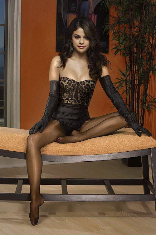 Selena Gomez  Selena Gomez, Selena Gomez Net Worth, Selena-1749