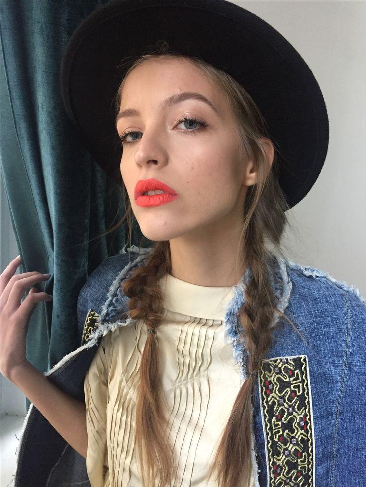 Red lips 👄 #alinabrailescumakeup