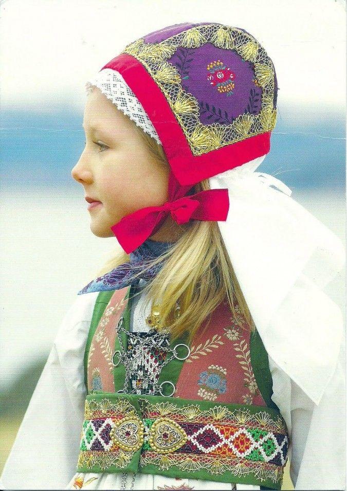 fusa drakt bunad Norwegian folk costume