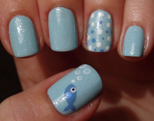 Heeeey fishy fishy dots nail art design - fish blowing bubbles