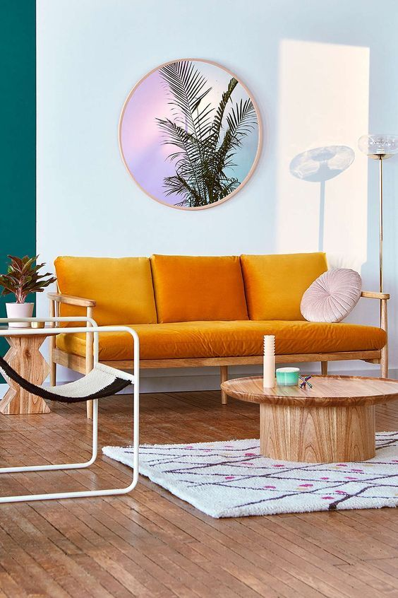 salon style annees 60 moderne et colore, oserez vous le canapé orange ?  Pinterest : bimmynager