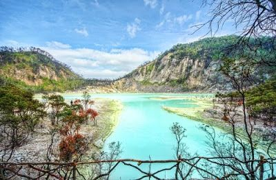 PERGIPEDIA  - Obyek Wisata Kawah Putih Bandung . Wisata Kawah Putih merupakan sebuah danau kawah ...