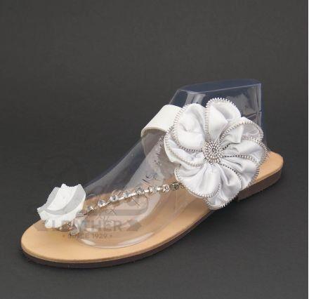 Λευκό Λουλούδι Σατέν, Χρυσή Αλυσίδα κρύσταλλα Swarovski, Λευκό Ακρυλικό Λουλούδι #Swarovski #sandals #leathersandals #accessories #handmadesandals #satin