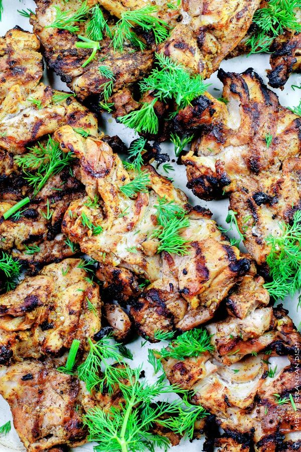 Mediterranean Grilled Chicken + Dill Greek Yogurt Sauce by themediterraneandish: Boneless chicken marinated in Mediterranean spices, olive oil and lemon juice. Grill for less than 15 minutes, and serve with this flavor-packed dill yogurt sauce. #Chicken #Mediterranean_Diet #Healthy