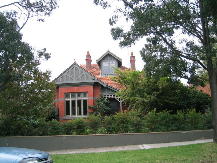 The Armadale Baptist Church manse where the Boreham's lived in the 1920s.  Munro Street, Armadale.