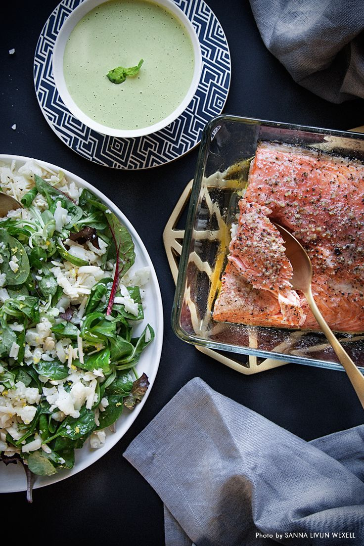 Salmon with cauliflower couscous and basil sauce. Recipe: Mari Bergman, Photo & Styling: Sanna Livijn Wexell.
