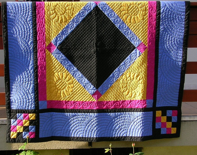 Beautiful Amish Quilt~~Love the use of black and bold colors!~