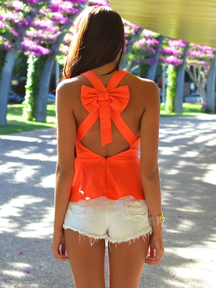 the bow is so cute! not to mention the summery orange