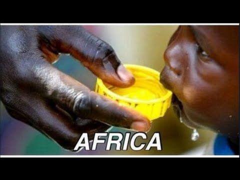【アイスバケツチャレンジ】氷水をかぶるアメリカへ痛烈皮肉 ガレキを被るガザ地区映像とアフリカの子供達の画像