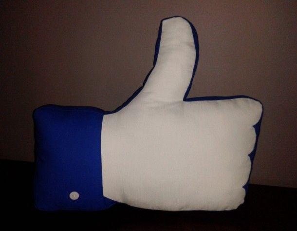Alleen een duim opsteken is ook een beloning, een kind weet dan dat hij/zij iets goed doet!