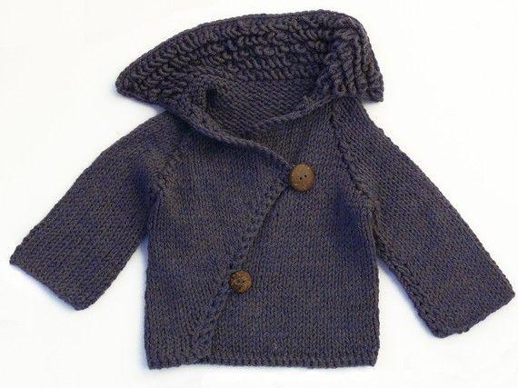 Unique design unisex baby sweater. j'adore !