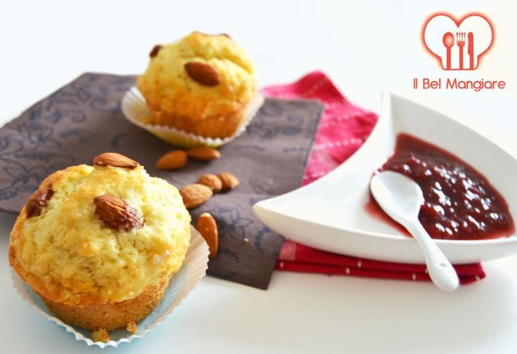 #muffin con mandorle e marmellata