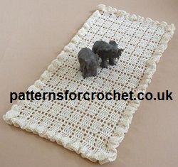 Free crochet pattern for frilled table runner or centre piece from http://www.patternsforcrochet.co.uk/frilled-runner-usa.html #crochet