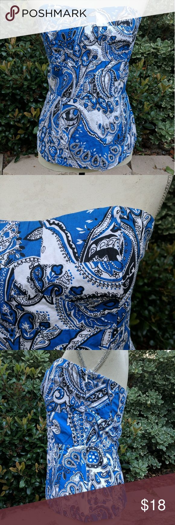 French Connection Paisley Blue Strapless Top Women's French Connection Paisley Blue and White strapless top / tank. Size 8. EUC. French Connection Tops Blouses