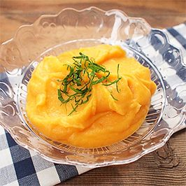 Bramborovo-mrkvové pyré.