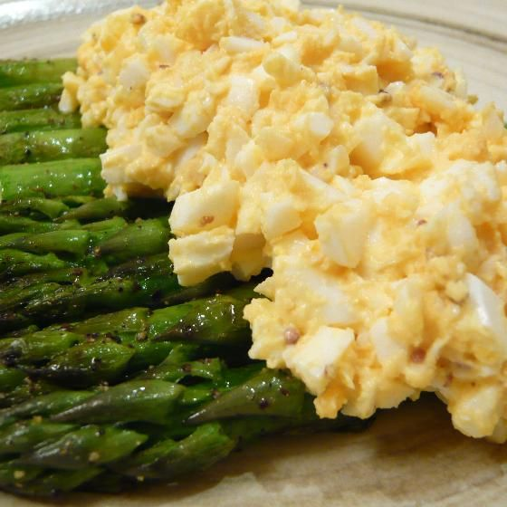 アスパラガスのミモザスタイル(野菜ソムリエの料理教室 MonFrere)のレシピです。グリーンアスパラガスを炒めゆで卵をのせたミモザスタイルのサラダを簡単クッキングにしました♪ 材料:グリーンアスパラガス、ゆで卵、バター、ブラックペッパー…