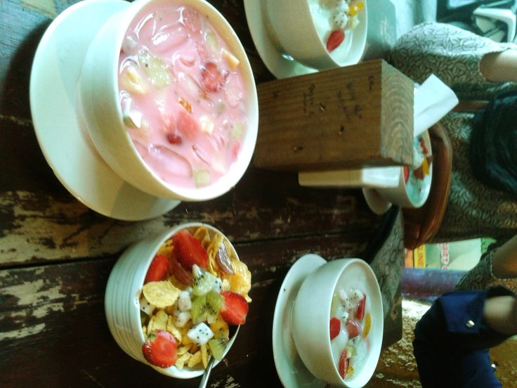 Sup Buah & Salad Buah