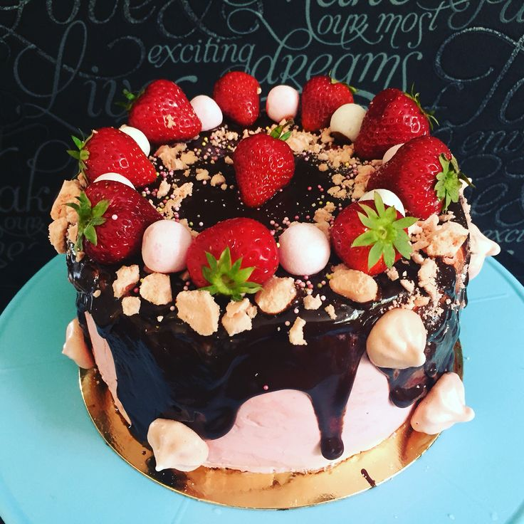 Straberrycake