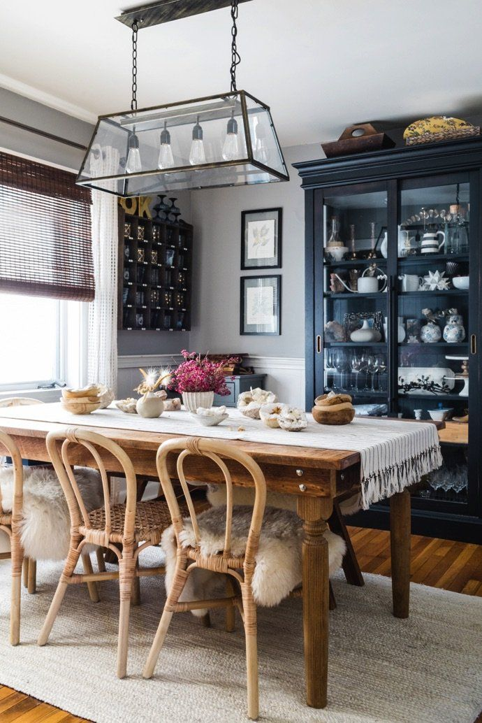 We D Happily Cozy Up In This Cute New England Farmhouse Dining Room Images Dining Room Cabinet Display Farmhouse Dining Room