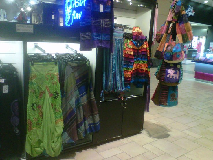 Another display of Himalayan Handmades at Asian Flavour at Gateway Theatre of Shopping