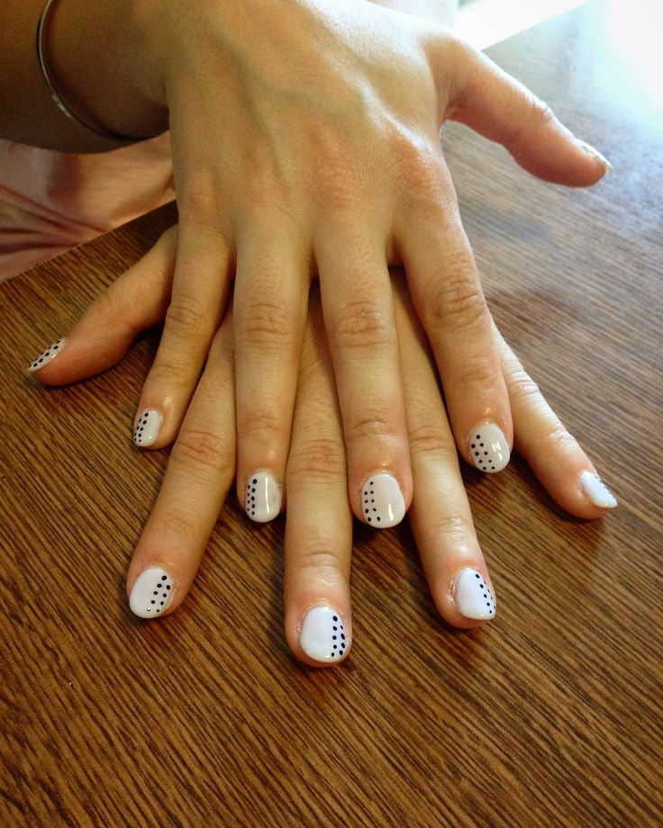 Prime unghie col gel #nails #nailart #friends #homemade #lille #pois #color #loveit #fashion #fun
