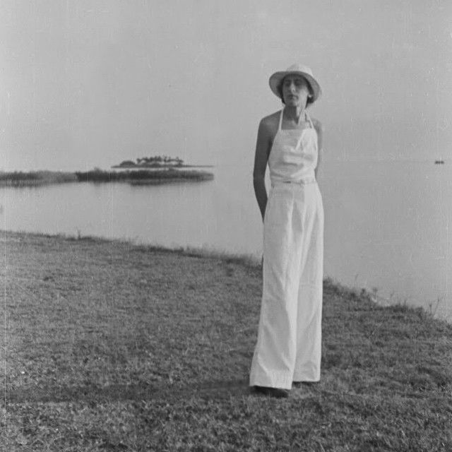 Anni Albers in Florida, circa 1938, photograph by Josef Albers © the Josef and Anni Albers Foundation