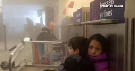 osCurve Brasil : Passageiros registram caos em saguão de aeroporto ...