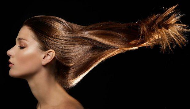 http://buff.ly/1BVWeYI - Se quer clarear o cabelo, só tem de seguir as indicações que lhe deixamos. Para obter resultados mais rápidos, utilize um champô de camomila e verá que será capaz de conseguir o tom de cabelo que deseja.